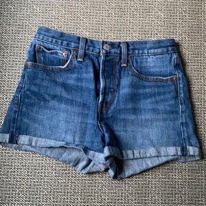 Levi's Jean Denim Button fly Cuffed Shorts 27